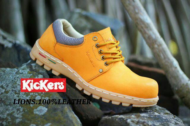 sepatu kickers lion kulit buck tan