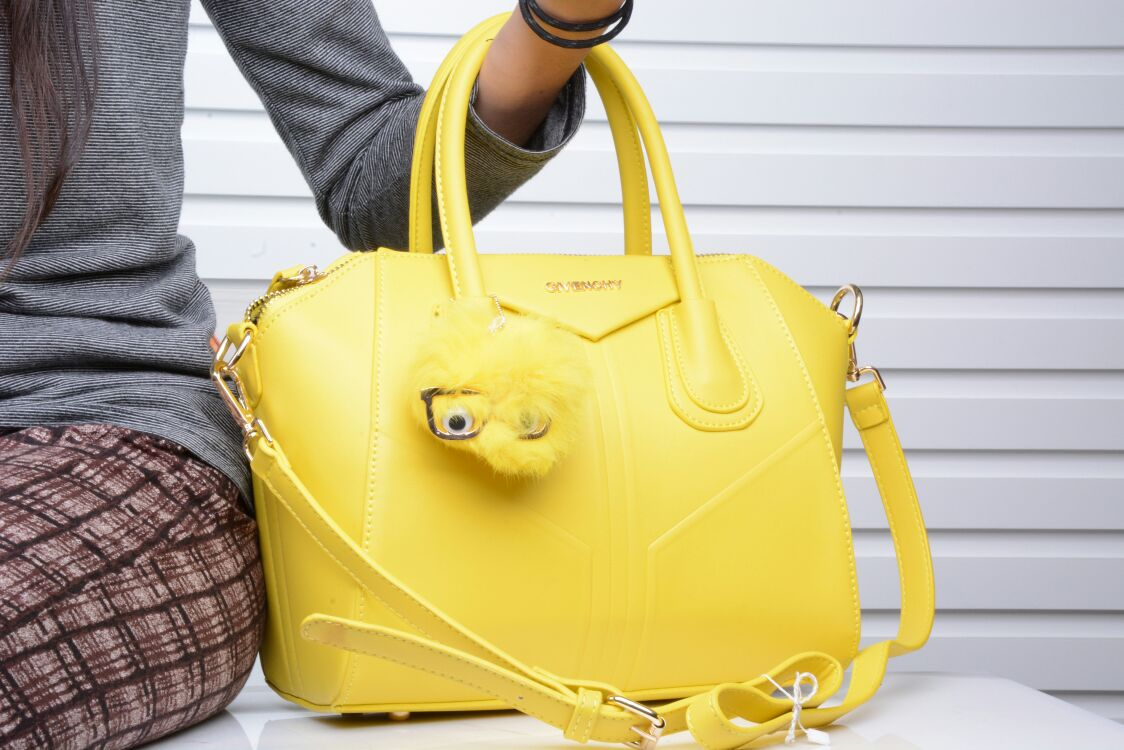 Jual Tas Givenchy Antigona + Boneka   Handbag Import Batam  cba8b4d3e2