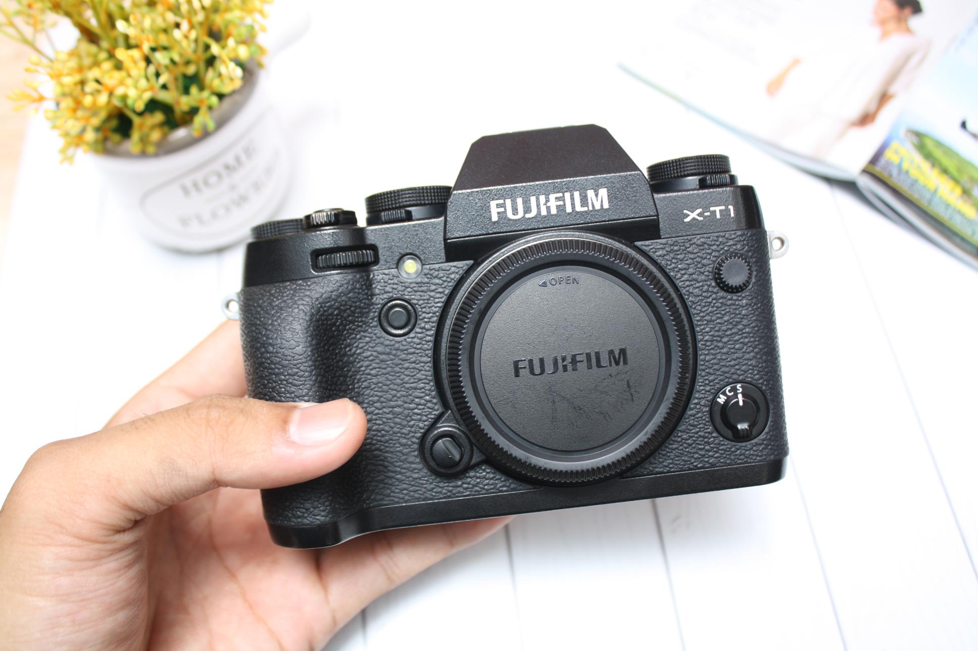 FUJIFILM X-T1 BLACK MULUS LENGKAP BOX