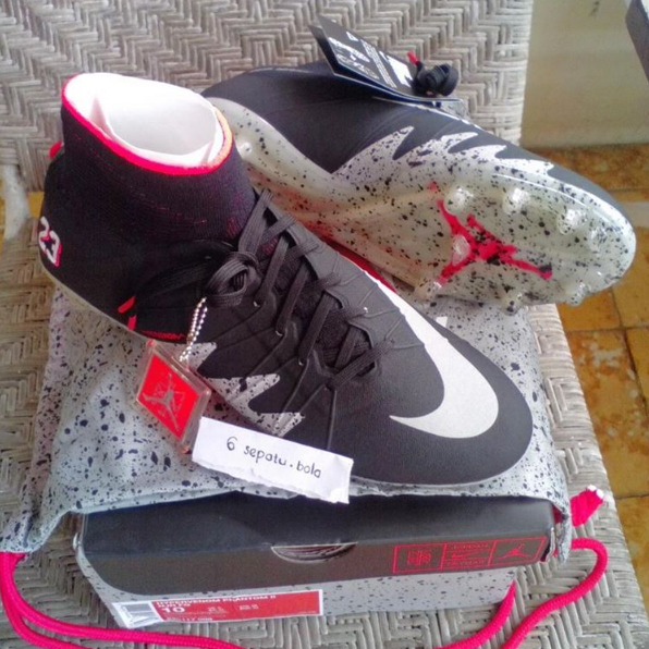 97 Daftar Harga Sepatu Bola Nike MurahLengkap Buruan