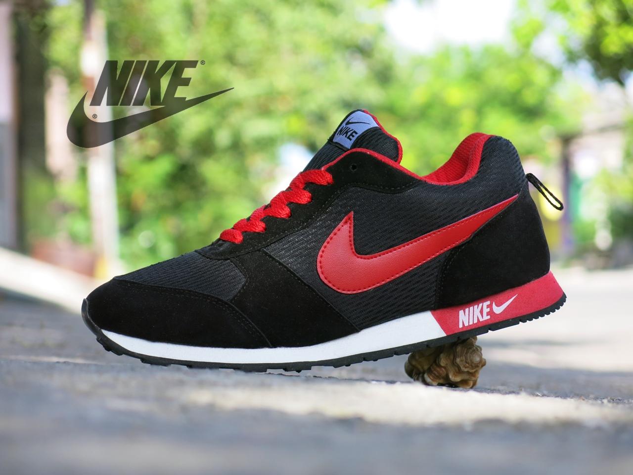 Jual Sepatu Olahraga Pria Nike Waffle Trainer Hitam Merah casual ... 7425be560d