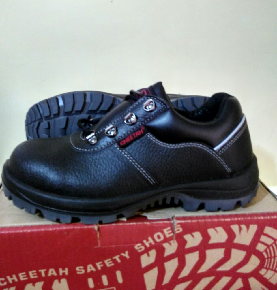 Jual Cheetah safety shoes 7012 H - wm safetyshop  1426b75cbb