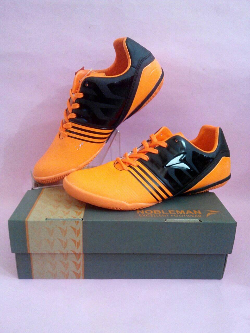 Jual Sepatu Futsal   Nobleman - Destro Futsal (Orange Black) - Toko ... 52409b0846