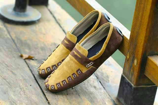 sepatu kickers codile tan brown
