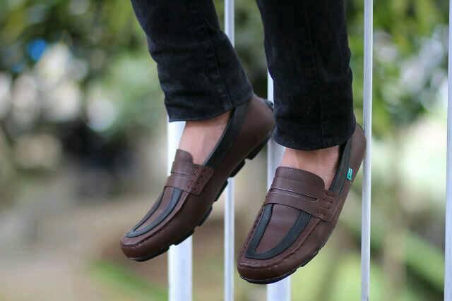 sepatu kickers fredoo coklat