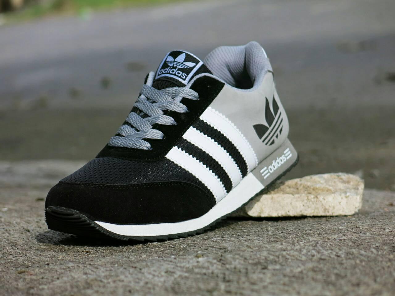 Jual Sepatu Sport Adidas V Racer Classic Hitam Abu Abu harga grosir ... 930af7313b