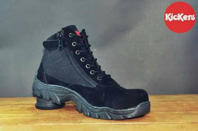 sepatu boot kickers cruise hitam