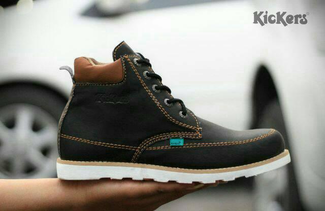 sepatu boot kickers seller hitam