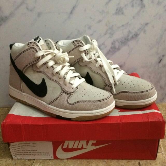 new style 25ebf 8d3f6 Nike Dunk CMFT Hi Top Sneaker .