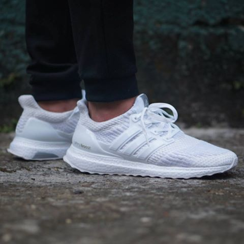 jual adidas ultra boost primeknit 3 0 triple white. Black Bedroom Furniture Sets. Home Design Ideas