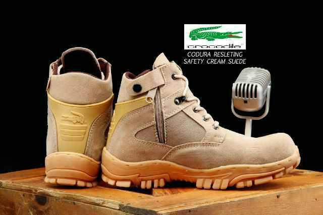 sepatu boot crocodile cordura safety cream