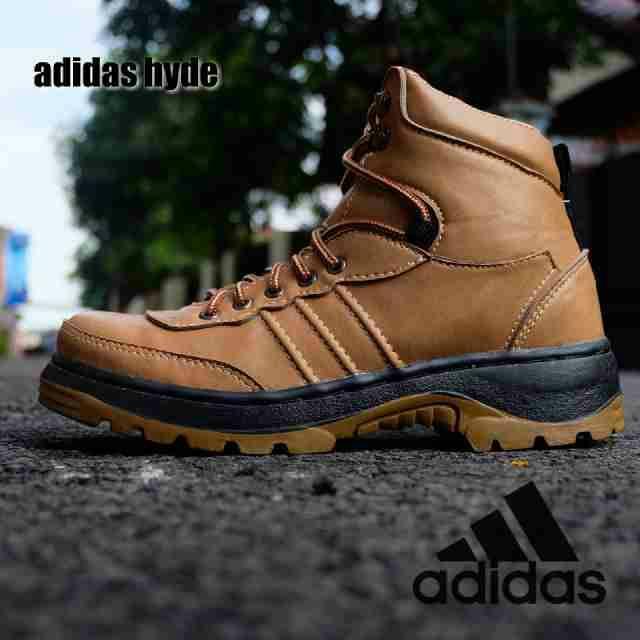 sepatu boot safety adidas hide