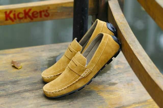 sepatu kickers kalong tan