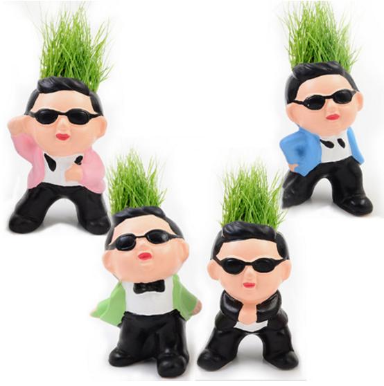 tanaman rumput dengan pot keramik motif wajah karakter - HHM358