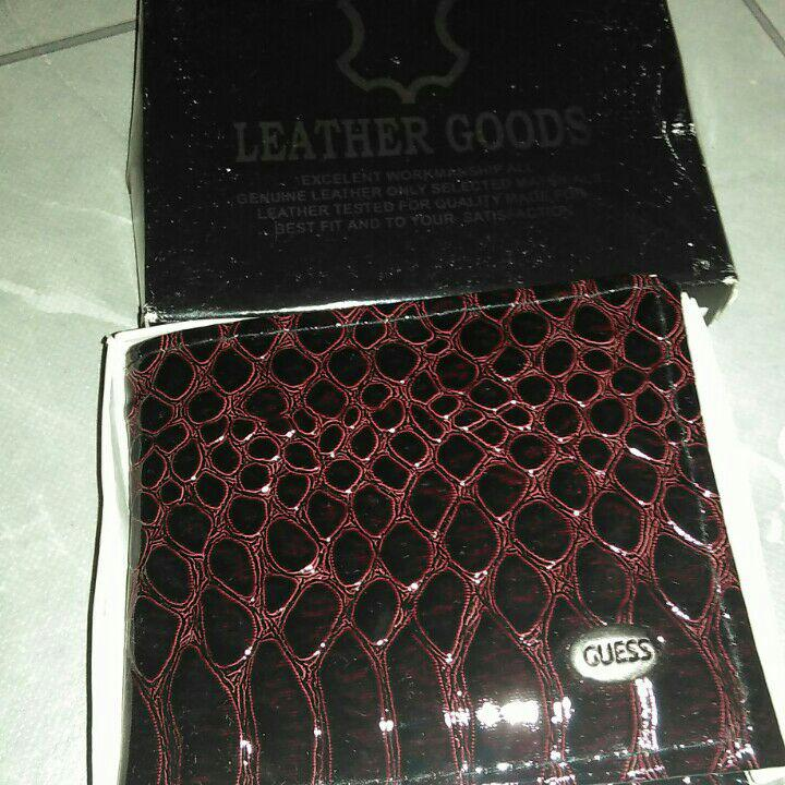Jual Dompet Kulit Pria Leather Goods Guess Ada Resleting + Box ... 69afc9ebb8