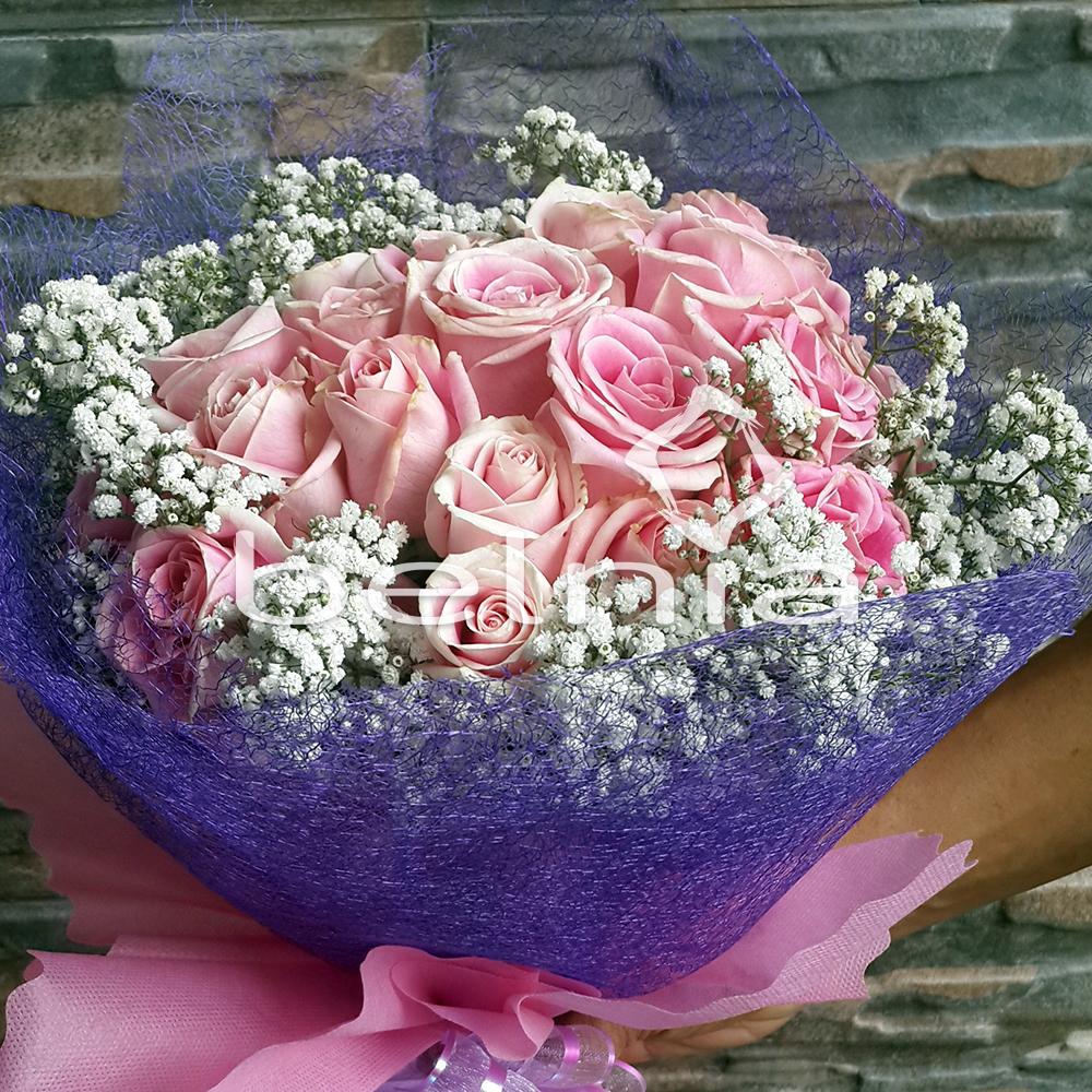 Value Pack Hand Bouquet Fresh Rose Buket Bunga Mawar Asli Valentine Wisuda  Ulang Tahun 239261acc4