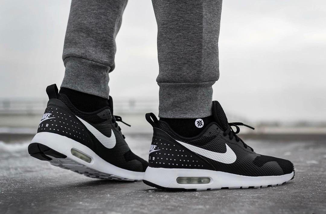 2c3759f0770a ... new arrivals jual nike air max tavas se black white original mister  sneakers tokopedia 8b9e9 b6371