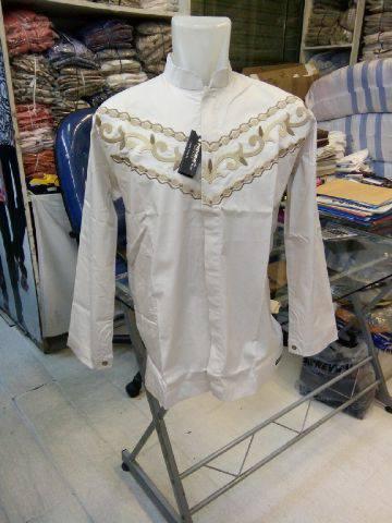 fasion baju koko putih