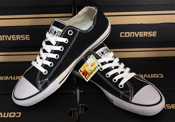 Jual sepatu casual santai murah Converse Allstar Hitam Putih ... 8de2c7867e