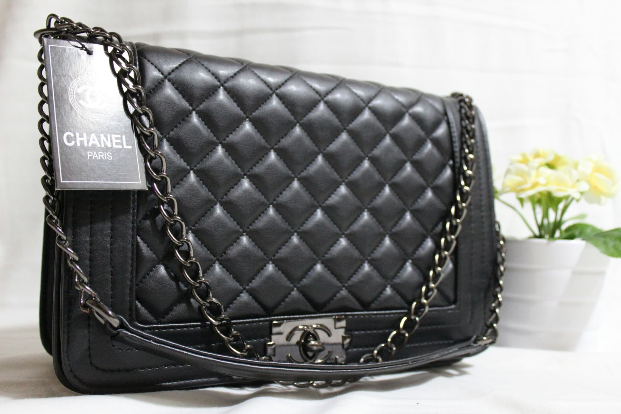 Jual Tas Tali Rantai Branded Chanel Boy Maxi Ukuran Besar 30 CM ... dd6fc21ea3