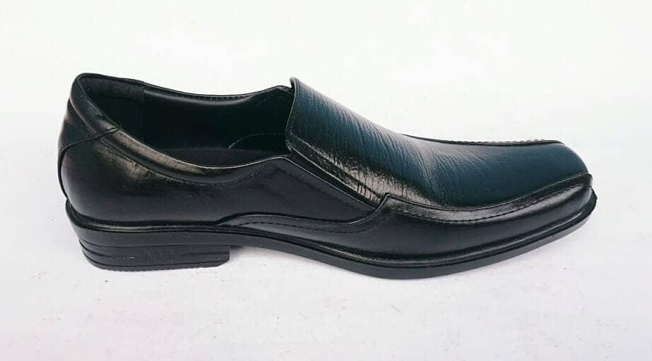 Jual Rasheda Sepatu Pantofel Pria Formal Kulit Asli K 11 Big Size ... a0628bd8ff