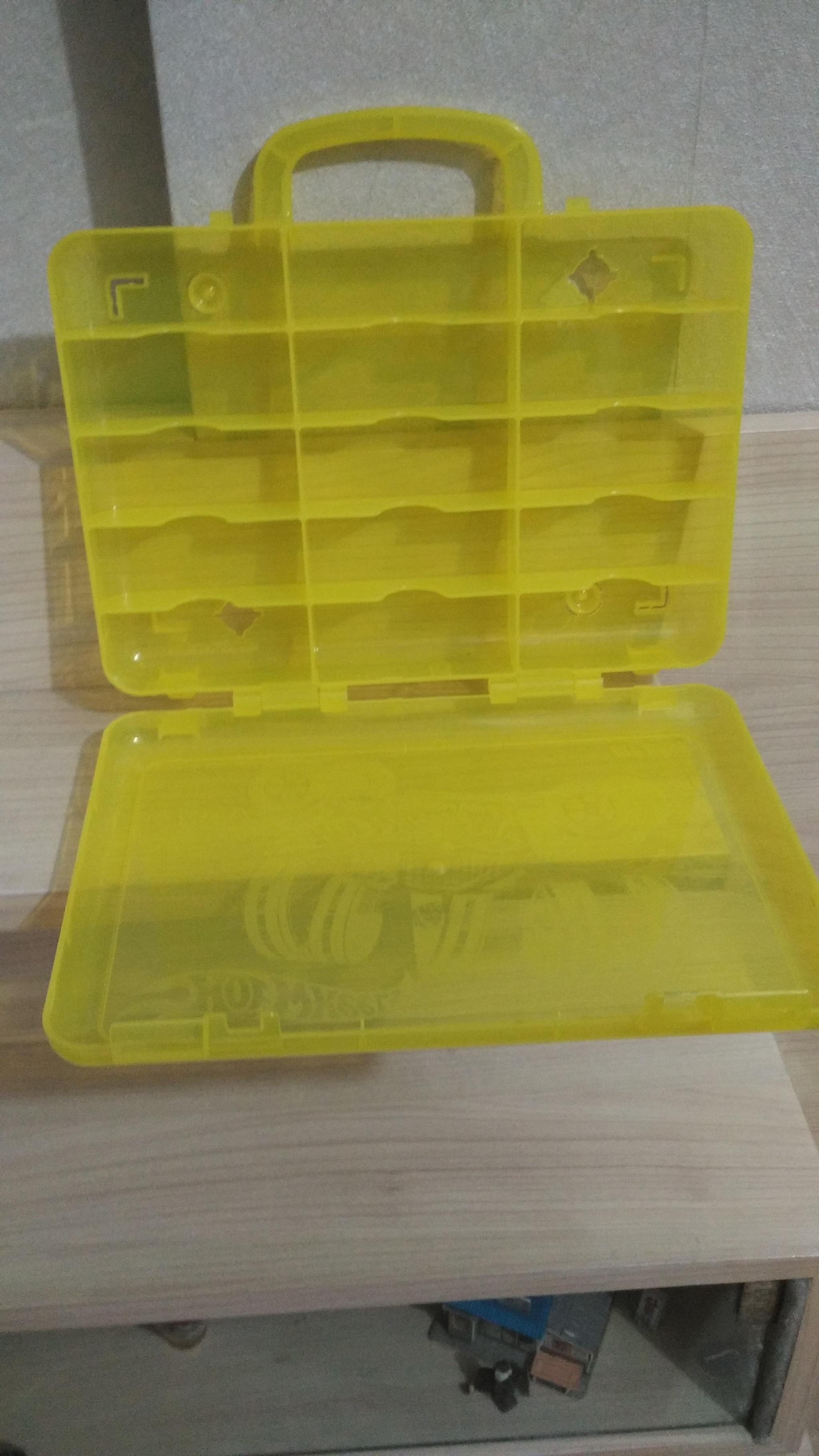 HEMAT Mainan Diecast Cars Kotak koper HotWheels twin pack carry case 8318a0a9f1