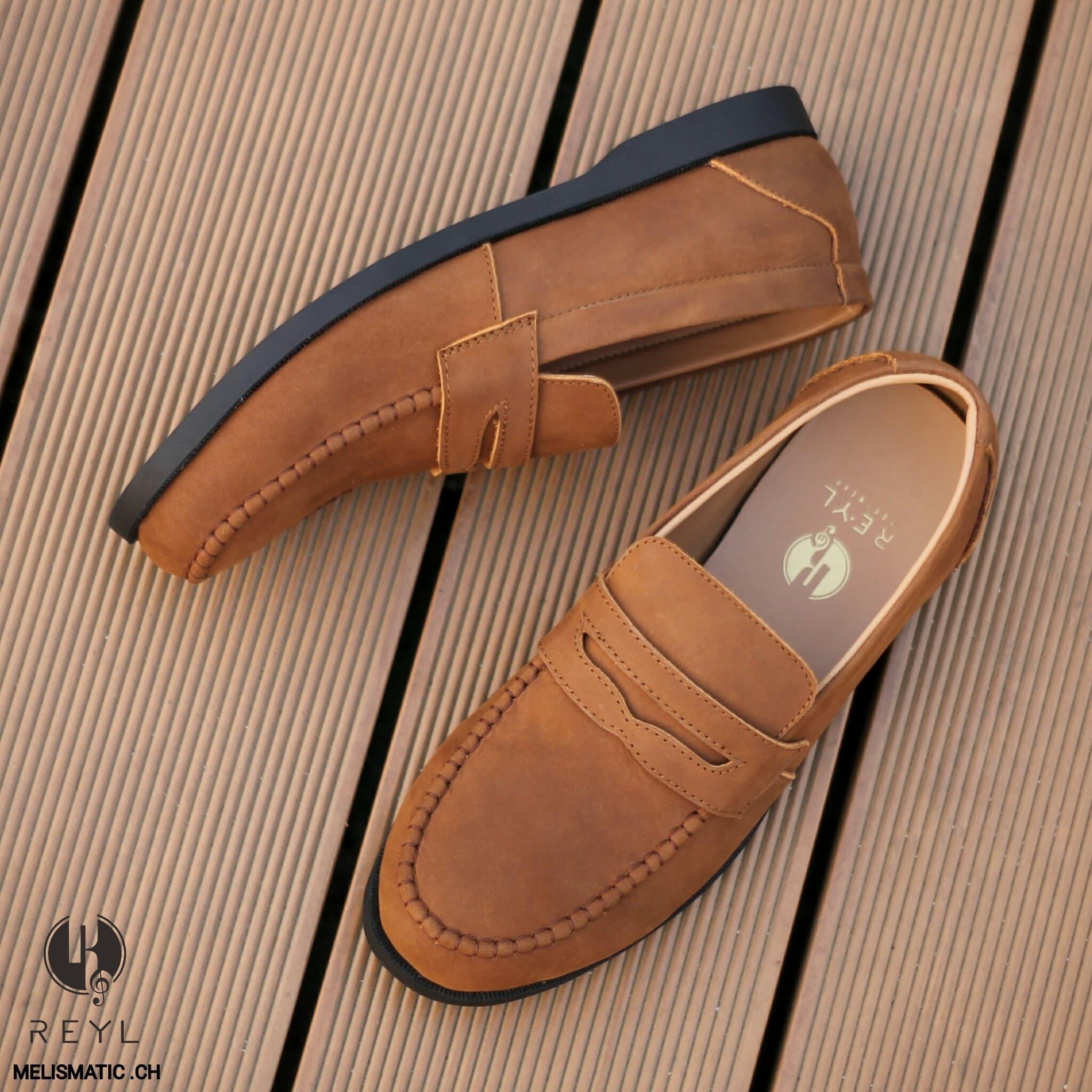 PENAWARAN Sepatu Slip On Pria REYL Melismatic CH Original Kulit Asli Formal 94e902db48