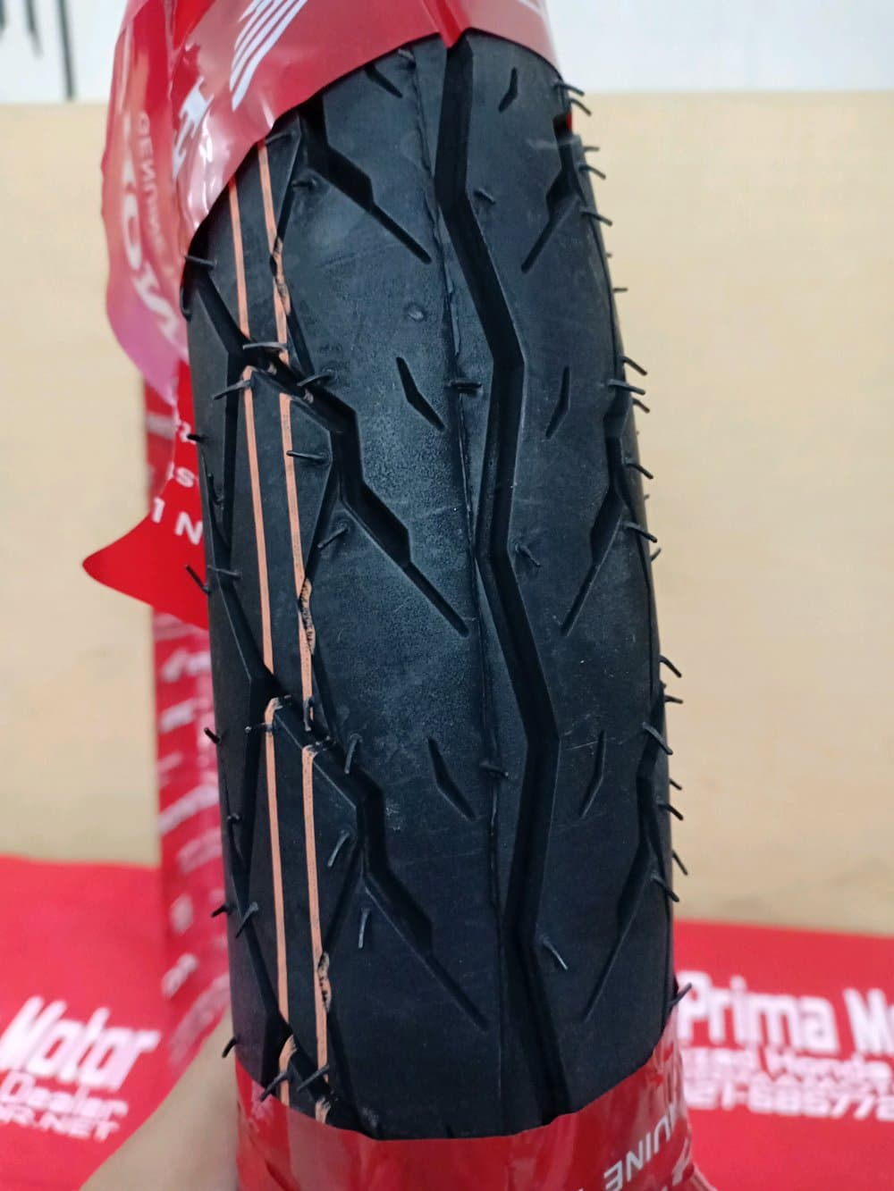 BELI Ban Luar Belakang Motor Bebek Honda 80 90 Ring 17 IRC 42711KWB922 aaf88d3b5c