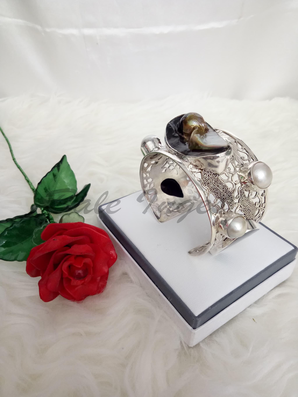 [Produk UKM BUMN] - Gelang Bengle Silver Handmade Kulit Kerang Dan Mutiara Tawar [096] - Blanja.com