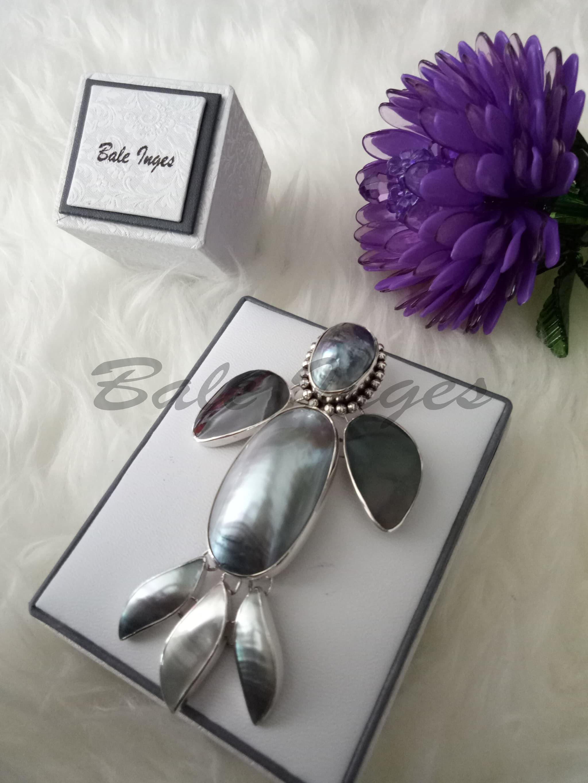 harga [produk Ukm Bumn] - Bros Kalung Silver Handmade Kulit Kerang Mutiara Dan Baroque Laut[067] Blanja.com