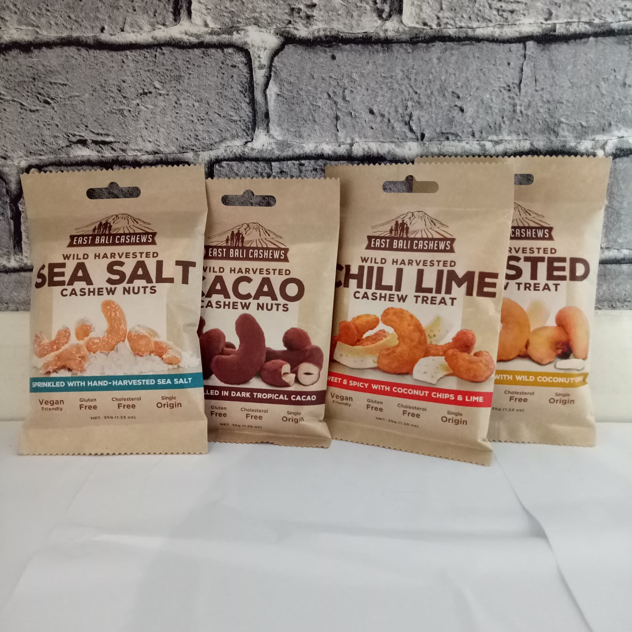 Jual East Bali Cashew Nut Treat All Variant 35 Gram Sea Salt Cocoa Nuts 75gr Choconola Tokopedia