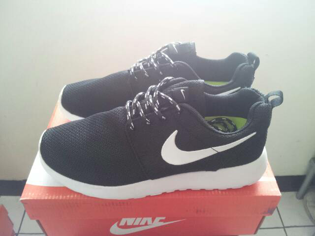 0db4f65bc9973 Jual Nike Roshe Run BW - wenming