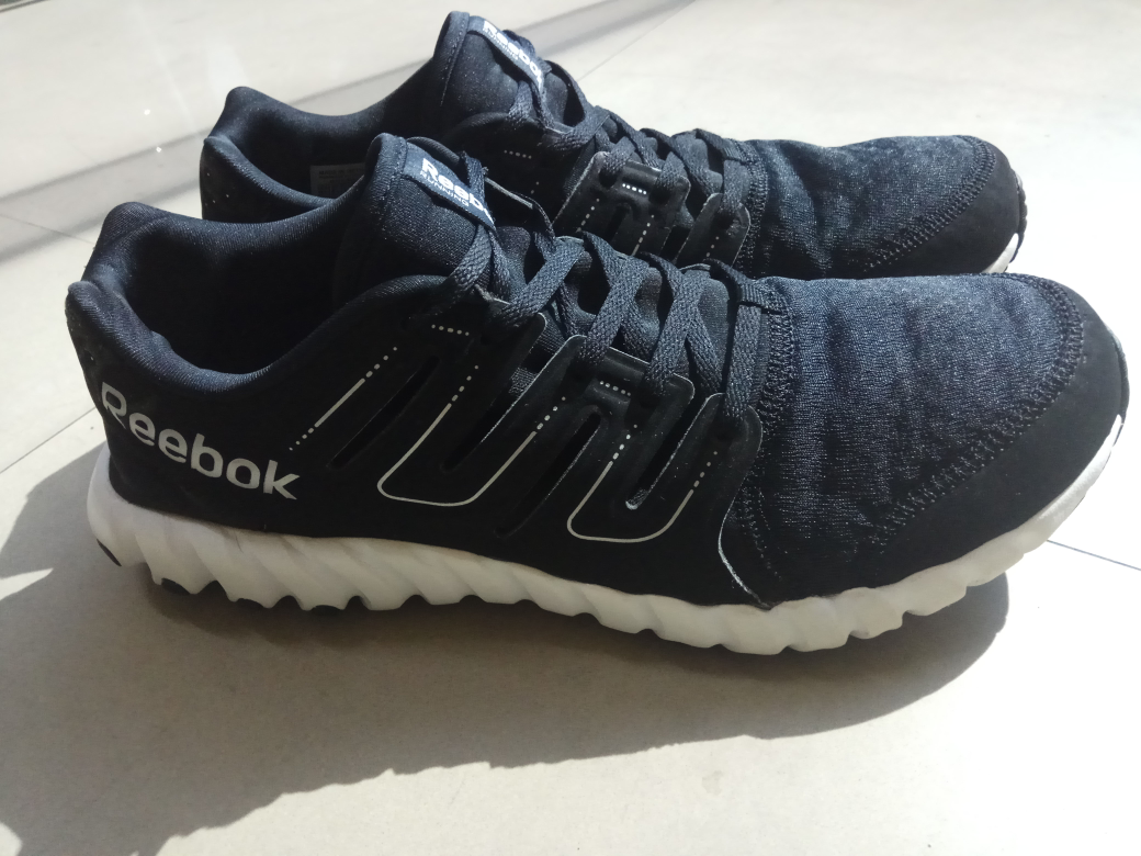 be9b1db3d17d Jual Reebok Twist Form Running - Hitam