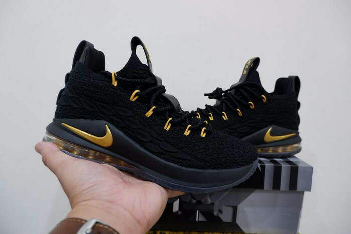 lowest price 34186 c3359 Jual Sepatu Basket Nike Lebron 15 Low Black Gold - Kota Batam - grovy.sport  | Tokopedia