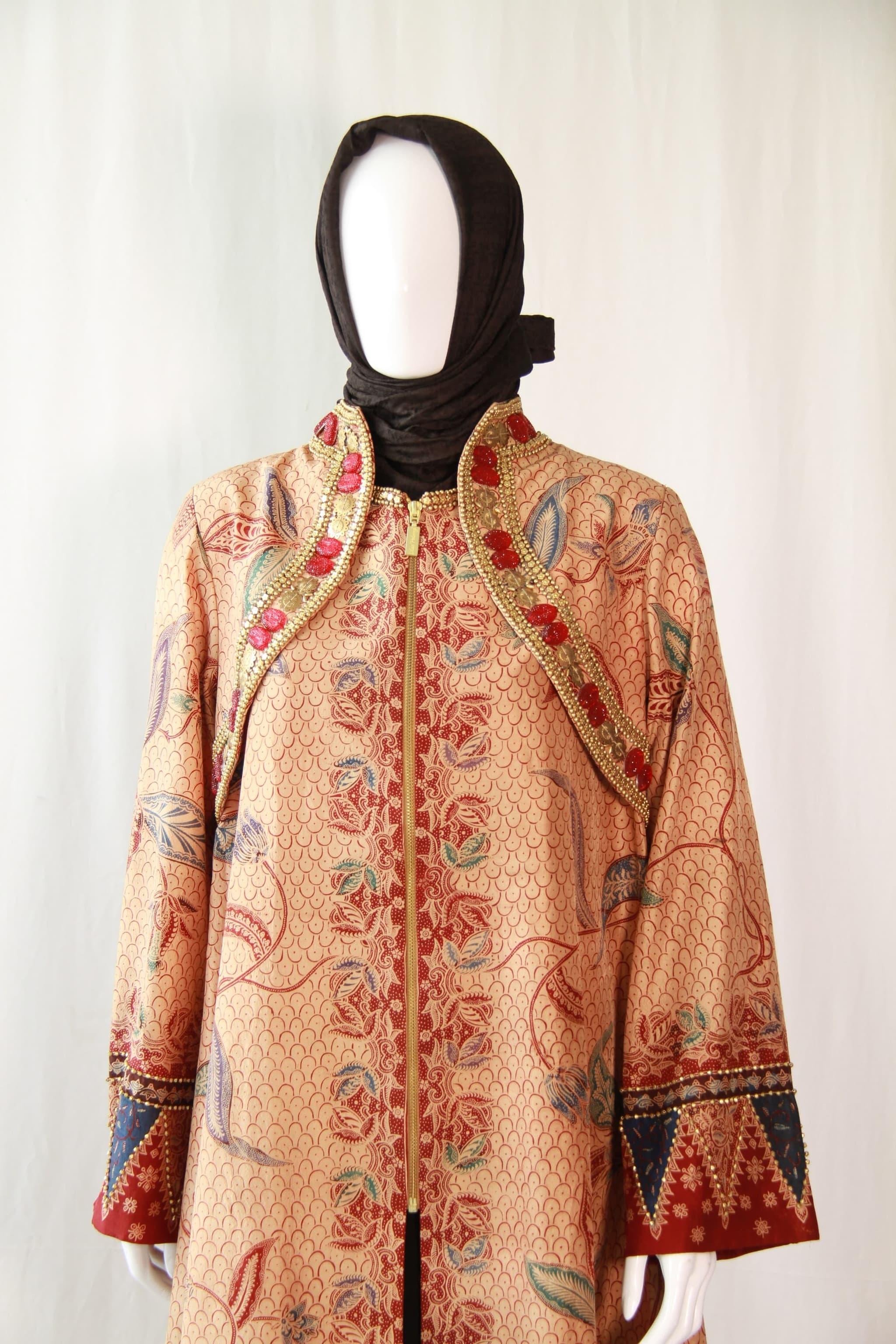 Jubah Thaisilk Batik Full Payet By Dian Pelangi Brand Size L Cokelat Muda L