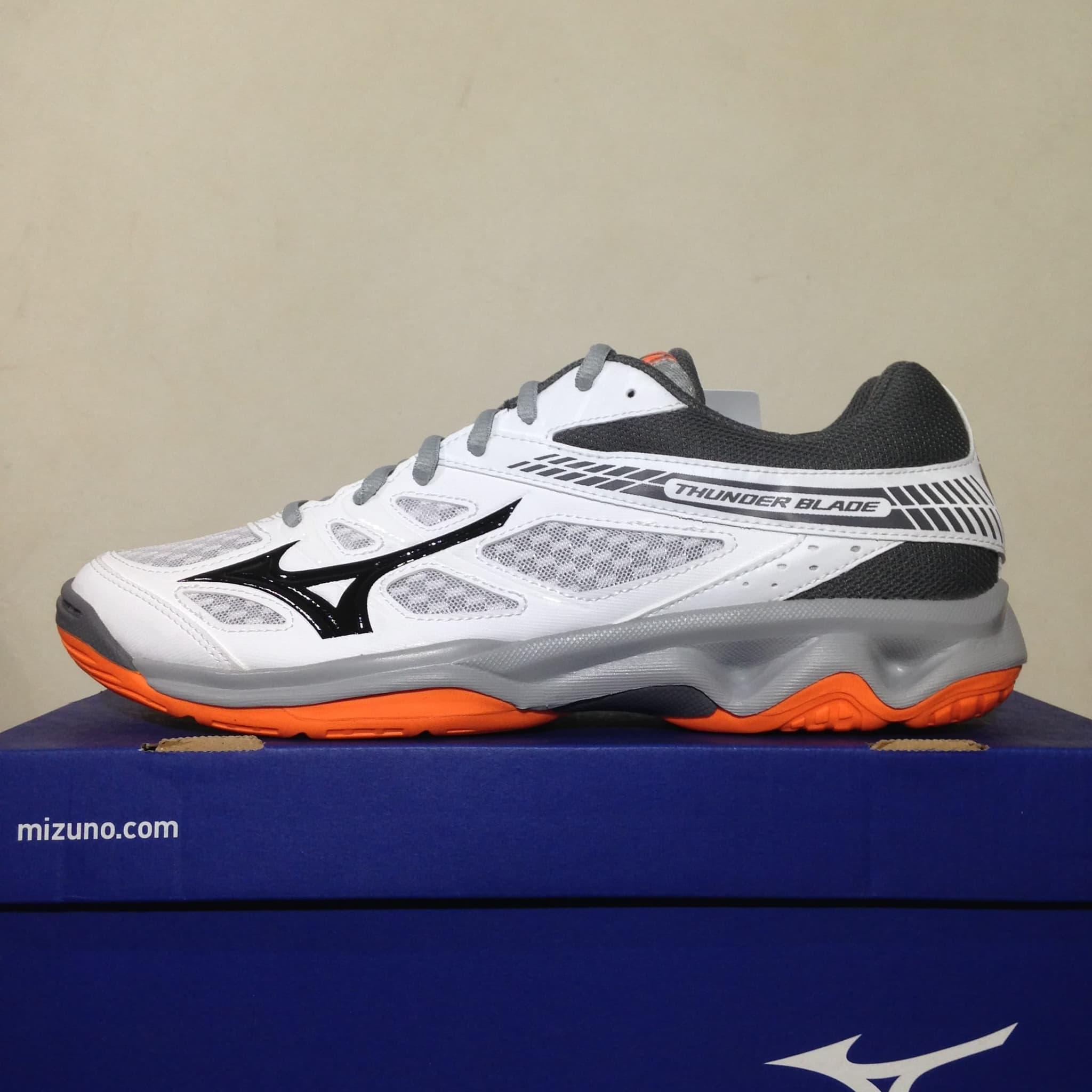 Sepatu Volley Mizuno Thunder Blade White Steel Gray V1GA177054 Ori 6632f9982a