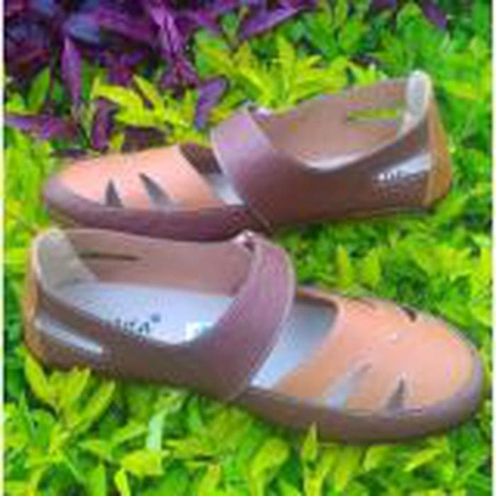 Yutaka Sepatu Flat Shoes Formal LD03 Coklat. Source · 16311384_c13c2780-8363-4b2f-a9f8-bb765e432432_700_700.jpg
