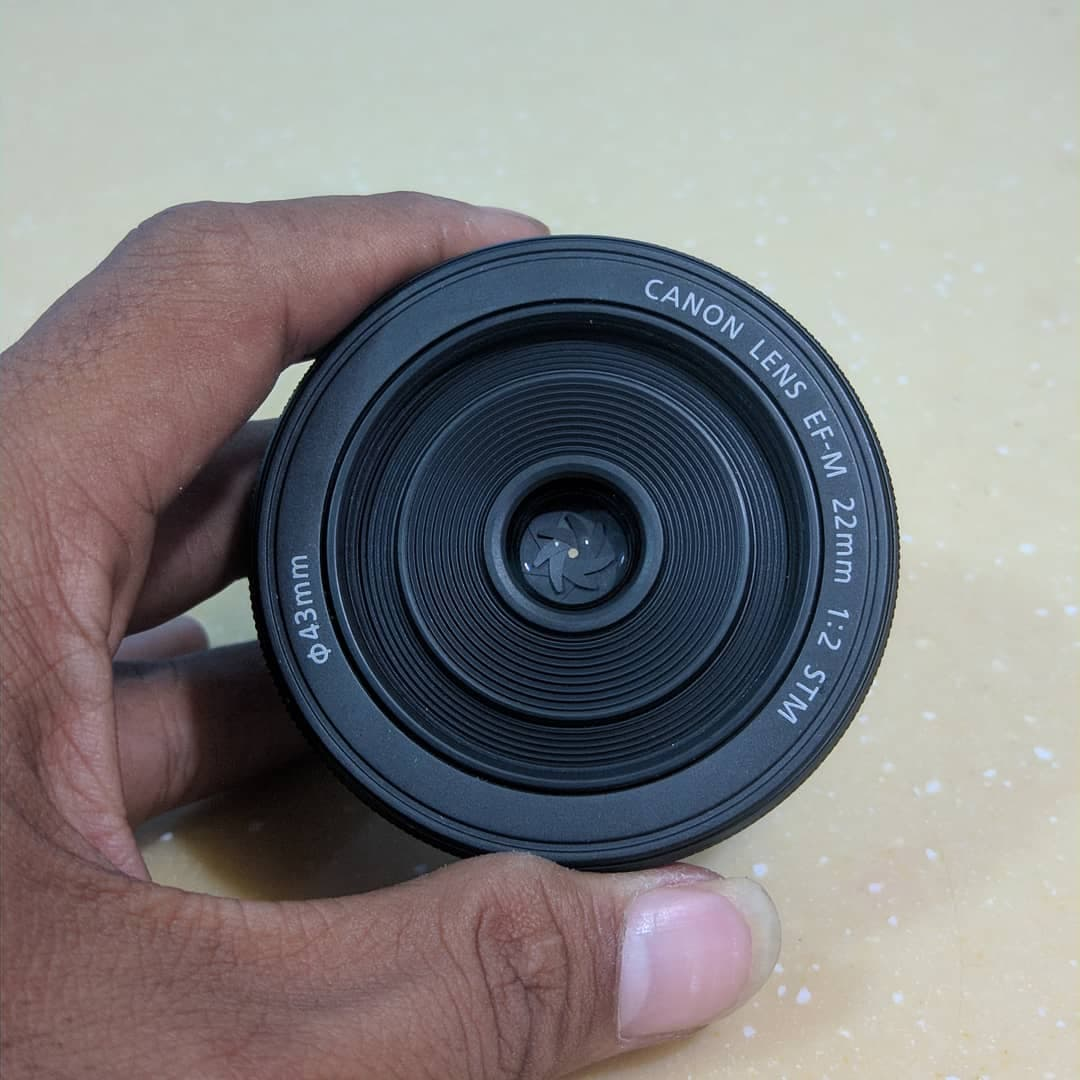 Jual Lensa Canon Eos M 22mm Stm Fix Copotan Like New Sholehelayyub For Tokopedia
