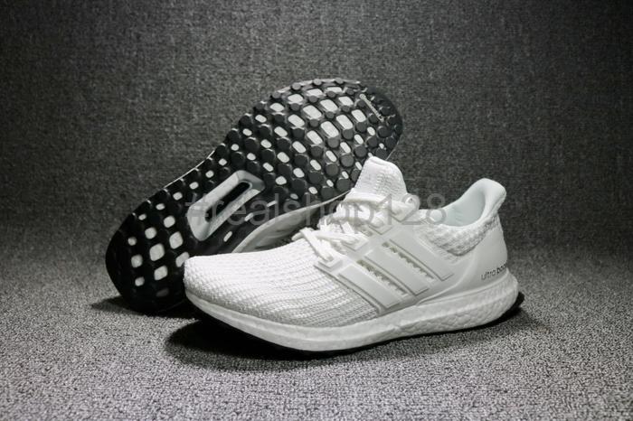 another chance f1c01 acfe4 Jual PROMO Sepatu Adidas Ultra Boost 4 0 All Triple White - Jakarta Barat -  Realshop128   Tokopedia