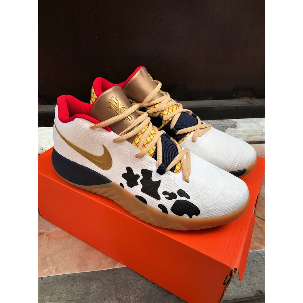 Jual Nike Kyrie Irving 4 FlyTrap Toy Story Perfect Kick Original PK ... a315ffe514