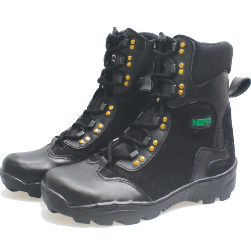 Sepatu Boots Casual Pria Bsm Soga Hitam 38