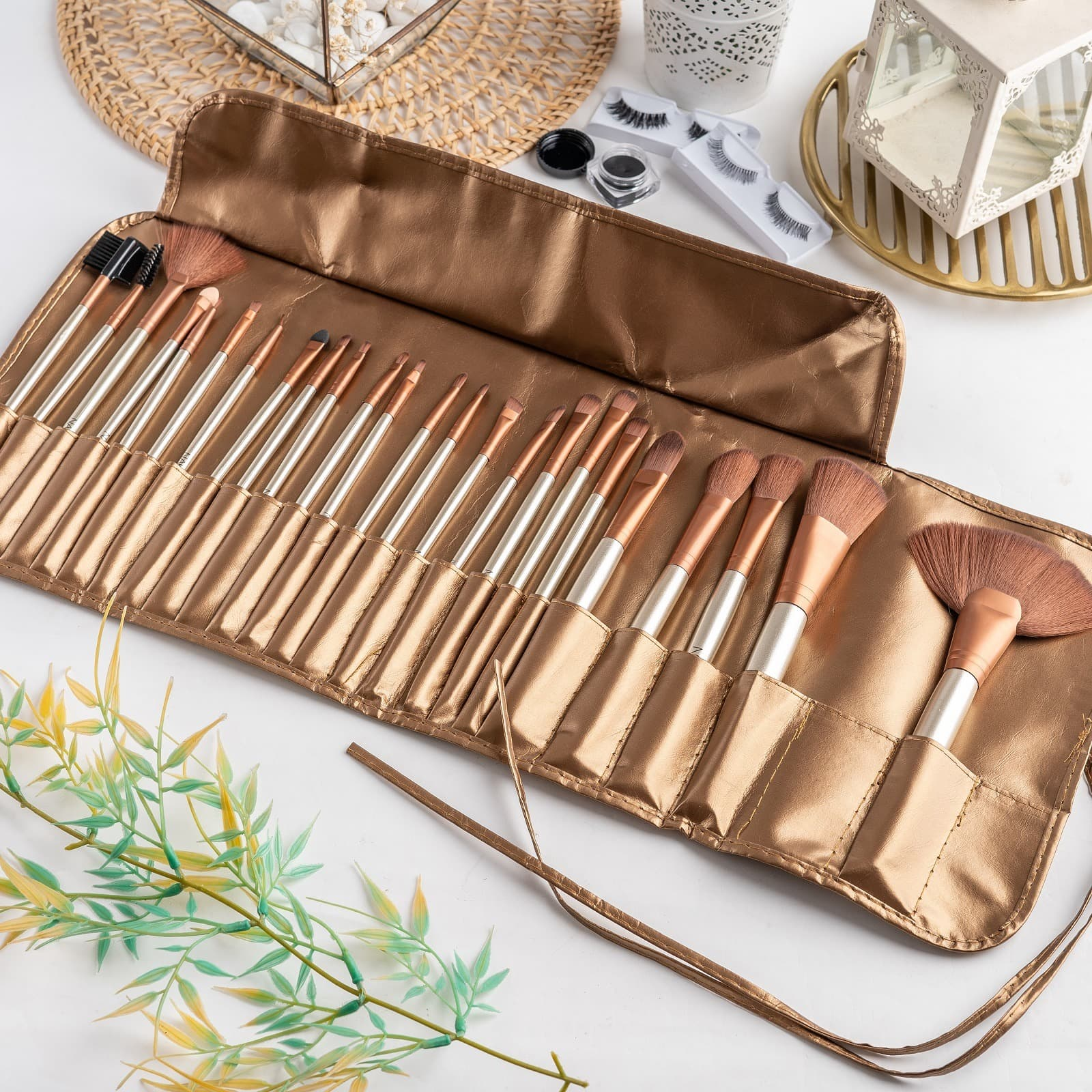 ARAMI Golden Korean Makeup Brush w Pouch Set Dompet Kuas Wajah 24 s thumbnail