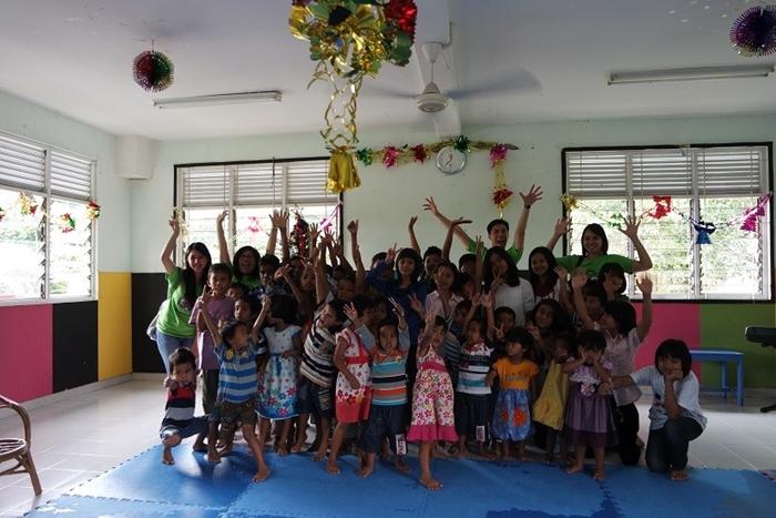 Tokopedia Charity: Tokopedia Berbagi Kebahagiaan Natal Bersama Anak Panti Asuhan Bukit KarmelTokopedia Charity: Tokopedia Berbagi Kebahagiaan Natal Bersama Anak Panti Asuhan Bukit Karmel